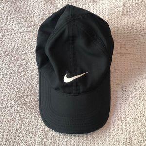 Black Nike cap